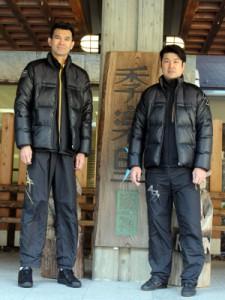 植田監督と大竹選手(縦)